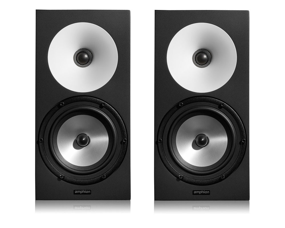 Amphion One12 studiomonitori