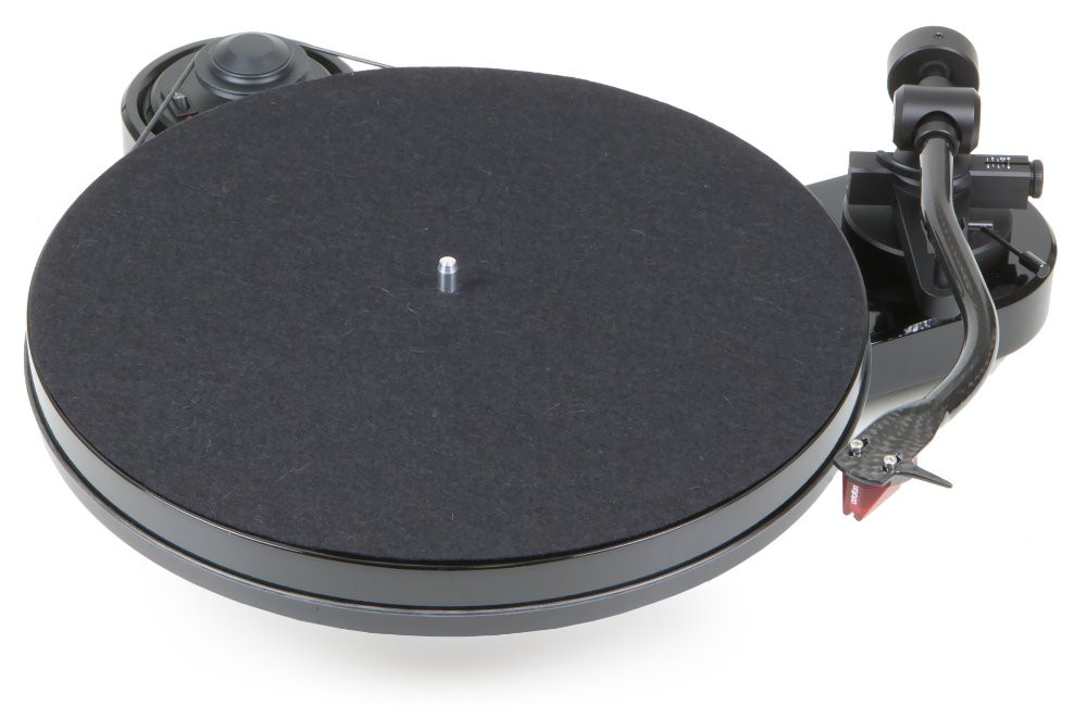 Pro-Ject RPM1 musta